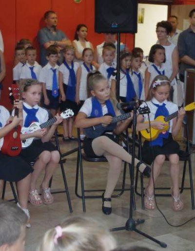 Music with Maria - Zenés, alkotó angol -iskola